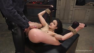 Owen Gray enjoys hardcore fuck with her lover while she hangs