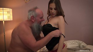 Teen blonde babe Antonia Sainz swallows and doyen guys load